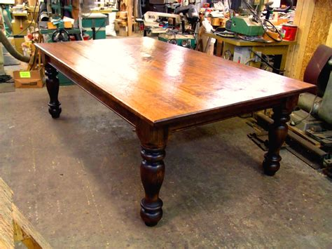 Fine-Woodworking-Farmhouse-Table