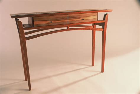 Fine-Woodworking-Hall-Tables