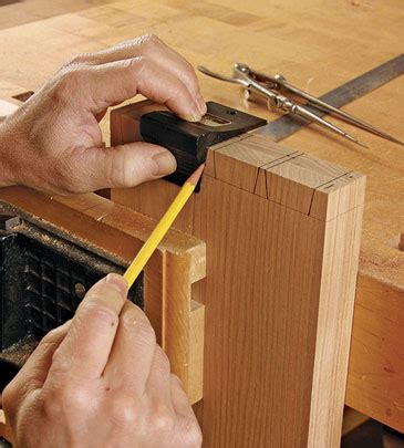 Fine-Woodworking-Laying-Out-Dovetails