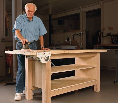 Fine-Woodworking-Plywood-Bench