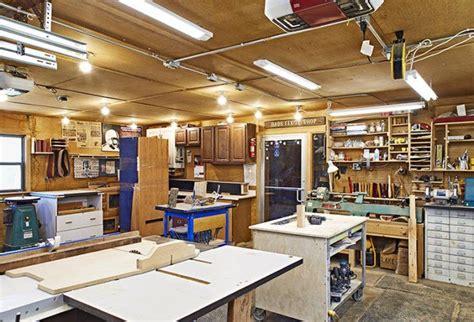 Fine-Woodworking-Shop-Lighting