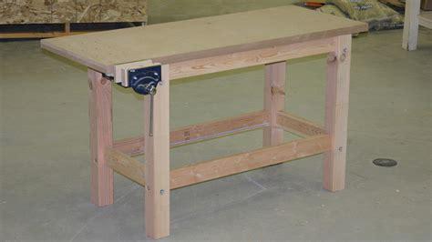 Fine-Woodworking-Simple-Sturdy-Workbench