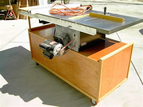 Fine-Woodworking-Table-Bandsaw