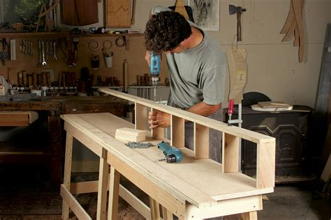 Fine-Woodworking-Workbenches-Download