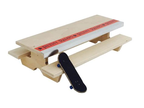 Fingerboard-Picnic-Table-Plans