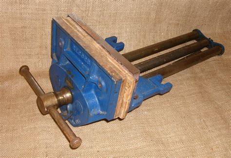 Fitting-A-Record-Woodworking-Vice