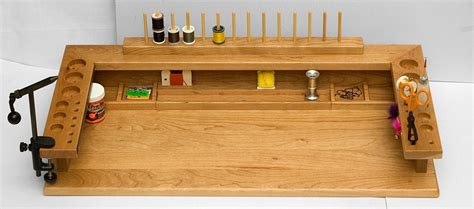 Fly-Tying-Bench-Woodworking-Plans