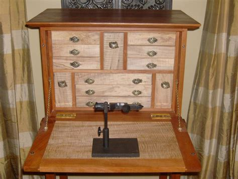 Fly-Tying-Desk-Woodworking-Plans