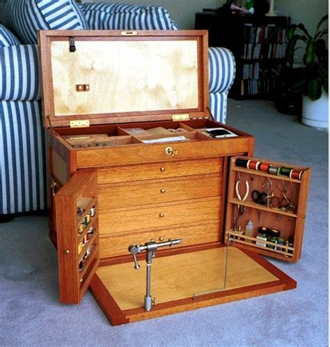 Fly-Tying-Tool-Box-Plans