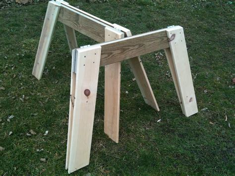 Folding Wooden Sawhorse Plans