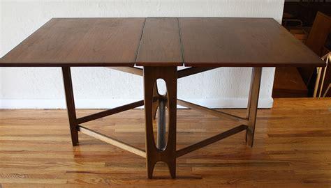 Folding-Dining-Table-Plan