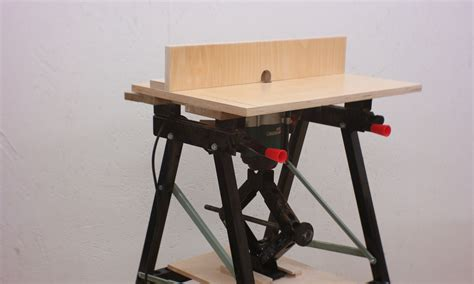 Folding-Router-Table-Diy
