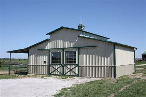 Free Raised Center Aisle Barn Plans