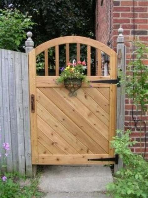 Free Wood Fence Gate Designs