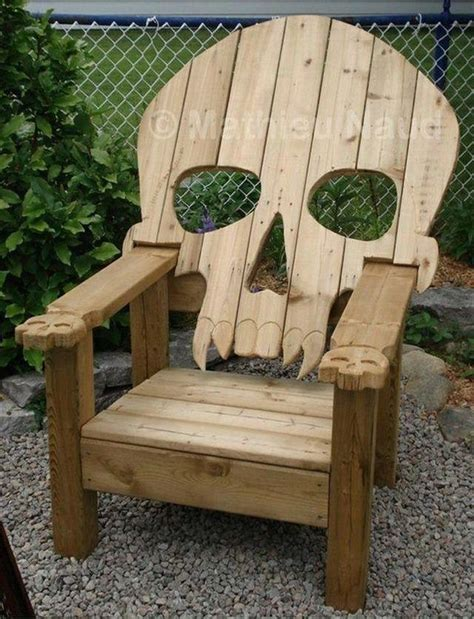 Free Wood Pallet Chair Plans