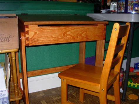 Free Woodworking Plans Child Desk