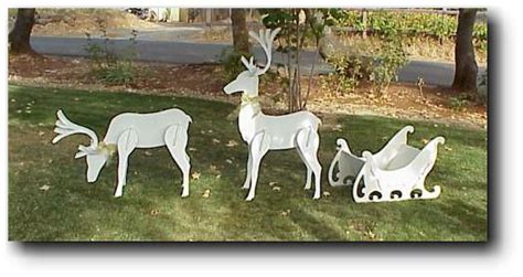 Free-Christmas-Reindeer-Woodworking-Plans