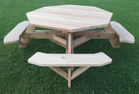 Free-Octagon-Wooden-Picnic-Table-Plans