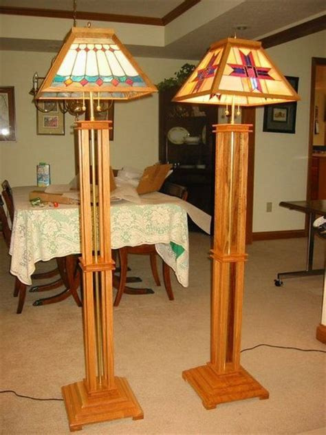 Free-Plans-For-Wooden-Floor-Lamps
