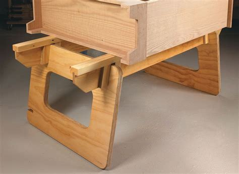 Free-Portable-Plywood-Take-Down-Work-Table-Plans