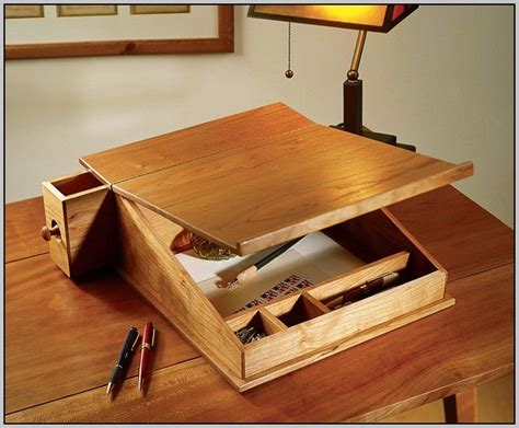 Free-Portable-Writing-Desk-Plans