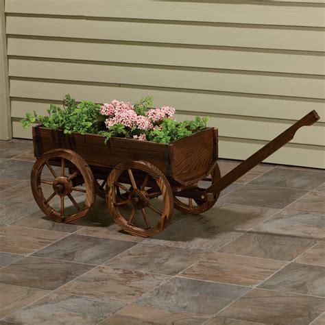 Free-Wooden-Wagon-Planter-Plans