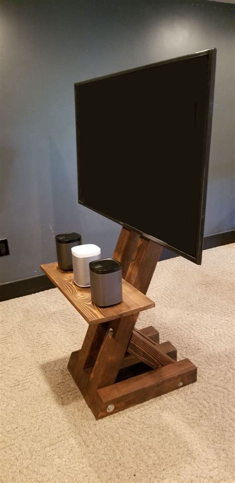 Freestanding-Diy-Tv-Stand