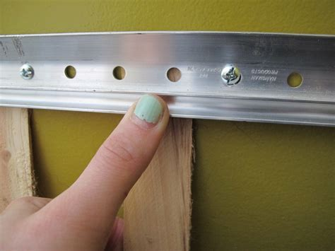 French-Cleat-Floating-Shelf-Diy