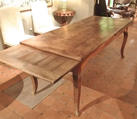 French-Farmhouse-Extending-Dining-Table