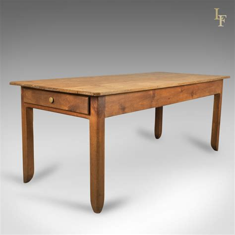 French-Farmhouse-Pine-Table