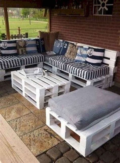 Furniture-Made-Out-Of-Pallets-Plans