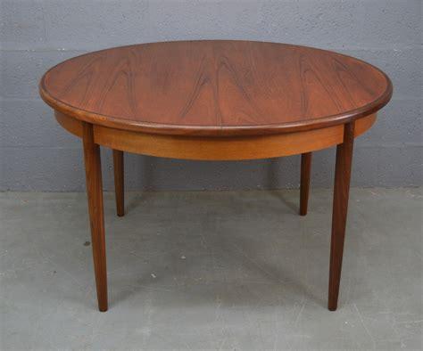G-Plan-Fresco-Extending-Dining-Table