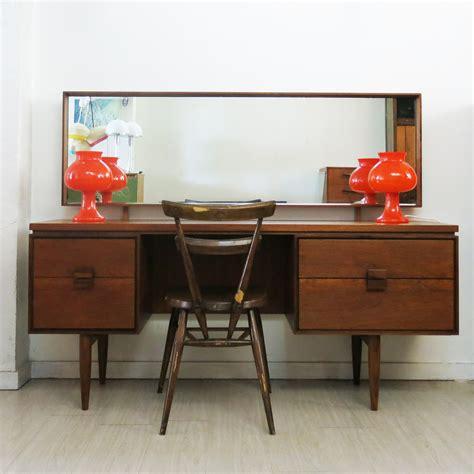 G-Plan-Kofod-Larsen-Dressing-Table