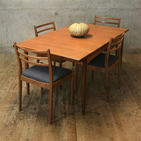 G-Plan-Teak-Extending-Dining-Table