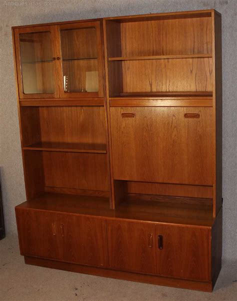 G-Plan-Vintage-Display-Cabinet