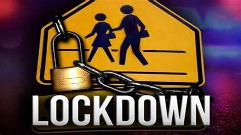 Gambar Social Distancing Dan Lockdown