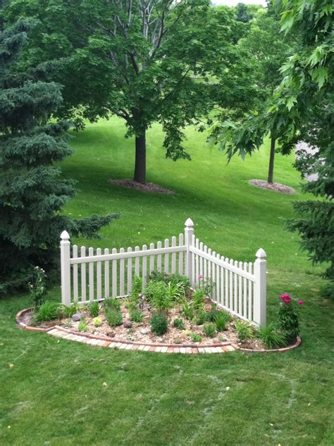 Garden Plans With Corner Fence