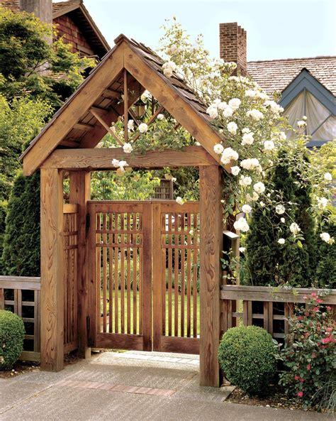 Garden-Arbor-With-Gate-Plans