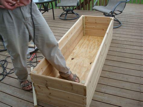Garden-Box-Plans-For-Deck