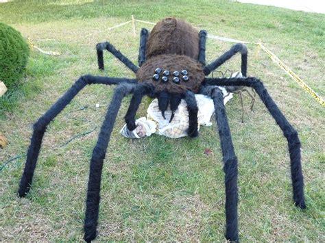 Giant-Spider-Decoration-Diy