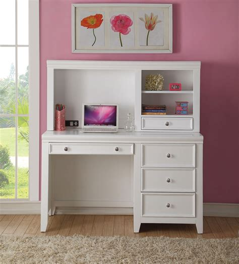 Girls-Desk-And-Hutch