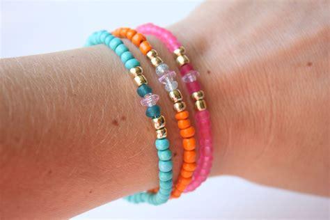 Glass-Bead-Bracelets-Diy