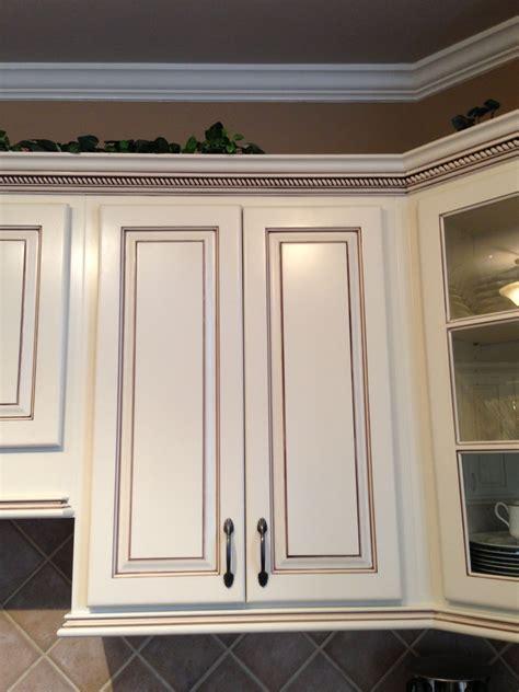 Glazing-Cabinet-Doors-Woodworking