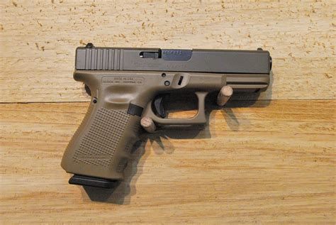 Glock 19 Gen 4 Fde And Glock 17 Vs 22