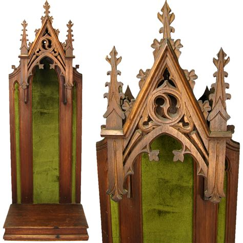 Gothic-Style-Woodworking