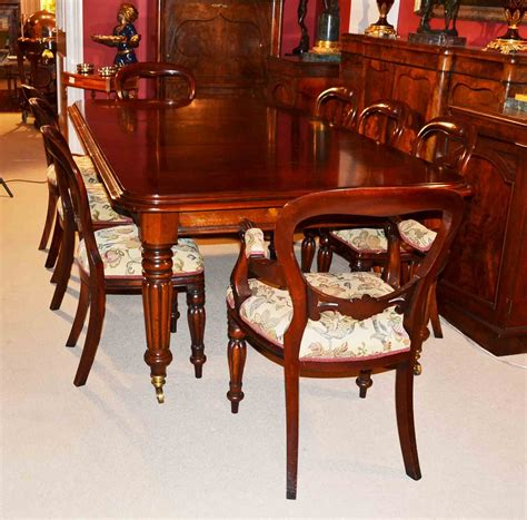 Grand Dining Room Table And Chairs