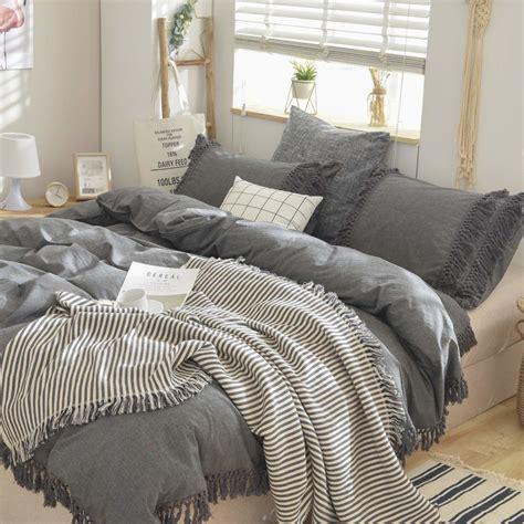 Grey-Farmhouse-Bedding