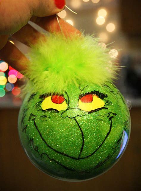 Grinch-Ornaments-Diy