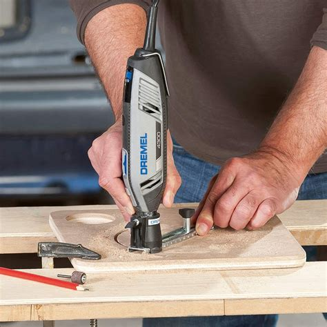 Guide-To-Power-Saws-Woodworking
