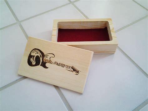 Guitar-Pick-Box-Plans